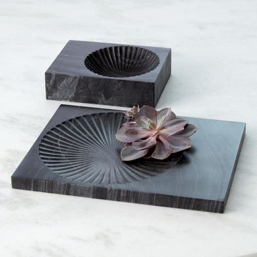 Picture of CARVED MARBLE PLATEAU-BLACK